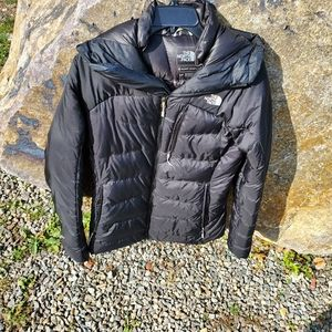 North Face Summit Series 700 goose down jacket. S